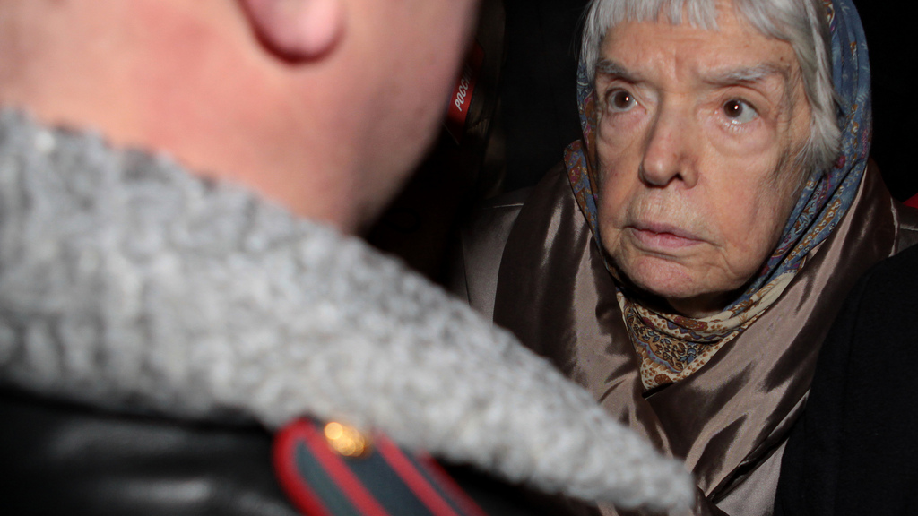 Lyudmila Alexeyeva. Protest in Moscow in support of the Russian Constitution. January 2010. Photo Igor Podgorny, WikiCommons.